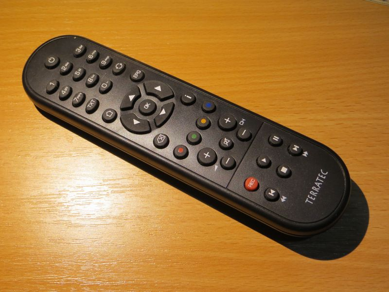 File:Terratec H6 remote.JPG